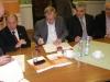 Pakt podpisują F. Romanowski (W-M Izba Rzemiosła i Przedsiębiorczości), J.Fiodorowicz (Solidarność Elbląg) i Jożef Dziki (Solidarność Olsztyn)